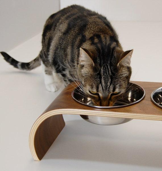 Walnut veneer bent-ply double feeder for cats