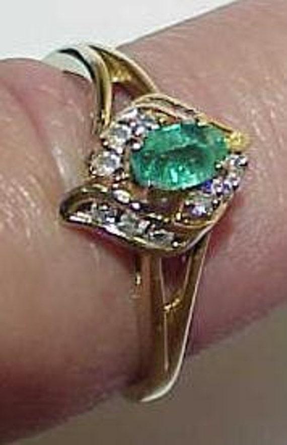 14K Emerald Oval 12 Diamond Cocktail Ring YG Sz 6 3/4  Vintage