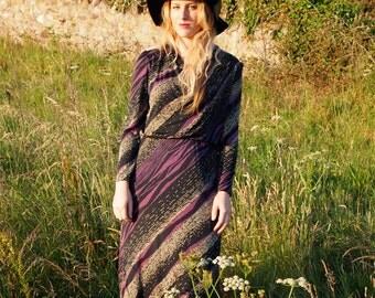 Millie, French Vintage, Striking Stripe Midi Dress with Elegant Long Sleeves from Paris