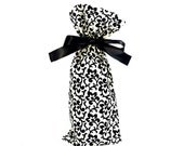 ON SALE -- Cloth Wine Bottle Bag in Black and White Vine Fabric
