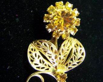 219V Topaz Flower Brooch