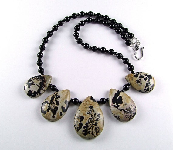 Spectacular Chinese Painting Jasper Necklace - N396