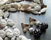POLKA Dots Dangling Screw Back Earrings Vintage Jewelry White Brown Girly Feminine Holidays Gift Vintage artedellamoda