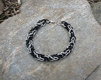 Shadows in black Chainmaille bracelet