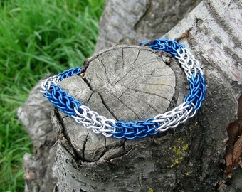 Starlight in blue chainmaille bracelet