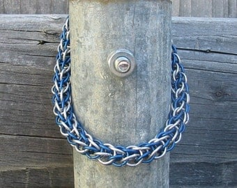 Ocean waves in blue chainmaille bracelet