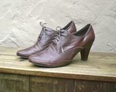 Vintage Distressed Chocolate Brown Heeled Brogue Oxfords Size 8.5M