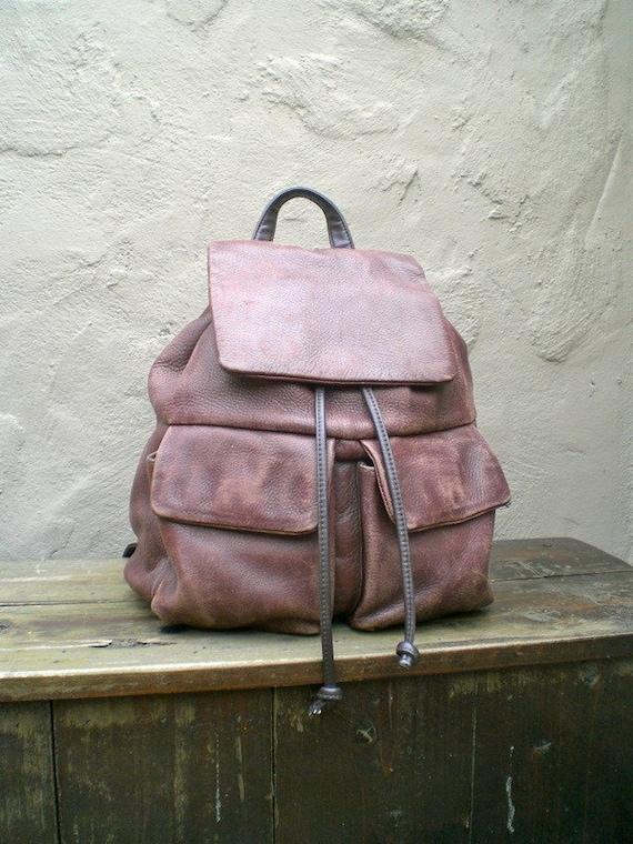 Vintage Distressed Multipocket Drawstring Medium Brown Leather Backpack