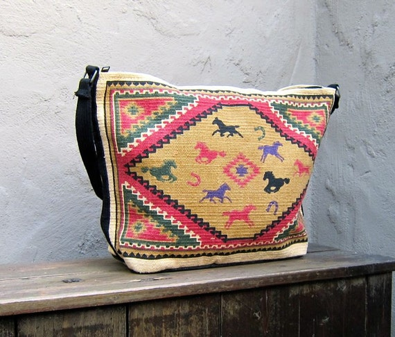 Vintage Large Navajo Ethnic Southwestern Woven Canvas Hobo w/Horse Detail