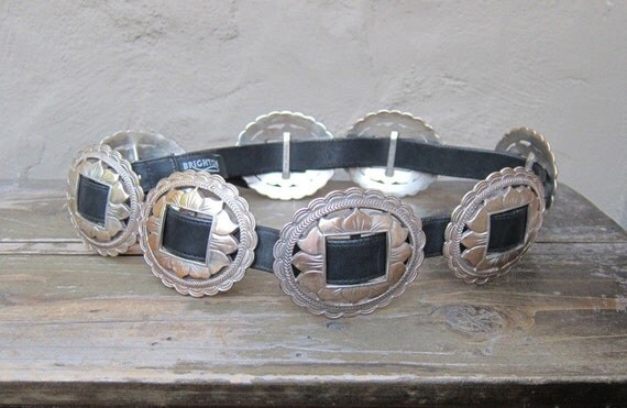 "Vintage Heavy Large Silver Metal Conch Brighton Belt 30""-34"""