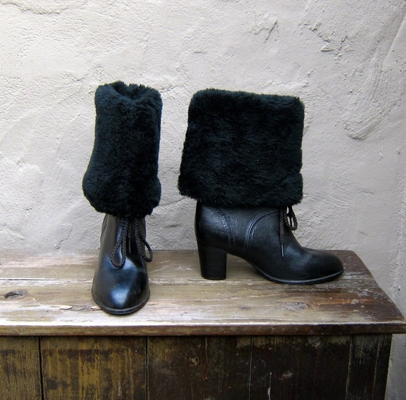 SALE Vintage Vegan Friendly Faux Shearling and Rubber Booties Ladies Size 7