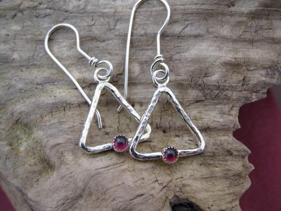 Hammered Triangle Earrings, Garnet Gemstone, Sterling Silver, French Hooks