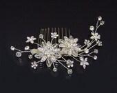 Swarovski crystal and rhinestone daisy flower silver comb (silver)