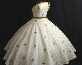 Vintage 50's 1950's STRAPLESS  Ivory Cotton Velvet Floral Applique Circle Skirt Party Prom Wedding Dress