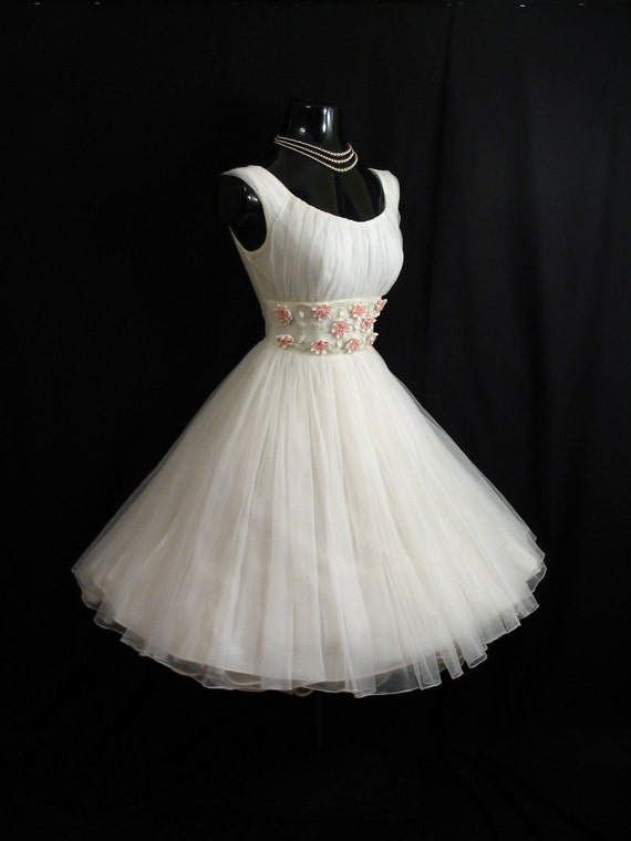Vintage 1950's 50s White Ruched Chiffon Organza  Applique Flowers Party Prom Wedding Dress Gown