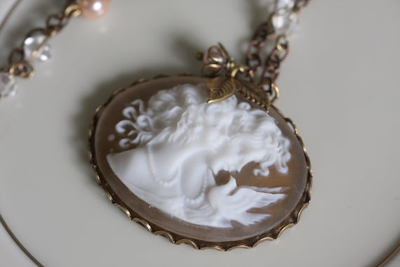 Vintage  Sisters  Cameo Necklace with Hand Beaded Chain, Sisters and Best Friends