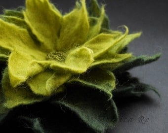 Apple and Dark Green Felt Flower Brooch
