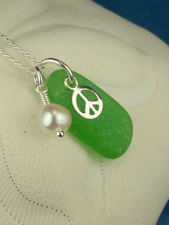 Pearl Necklace Kelly Green Sea Glass Peace Necklace