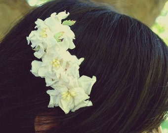 white gardenia flower hair clip for bridal and women: amy