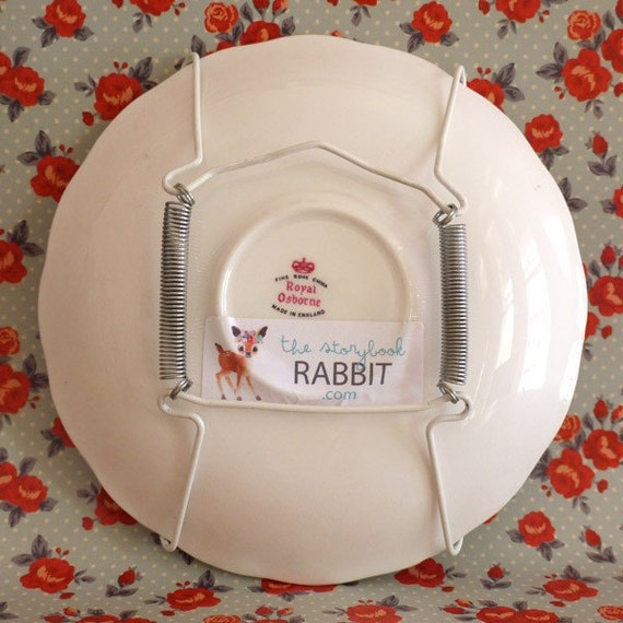 Spring Hanger for Small or Large Plate