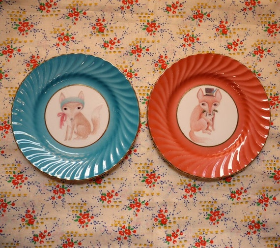 Fox Couple Scalloped Edge Pair of Vintage Illustrated Plates