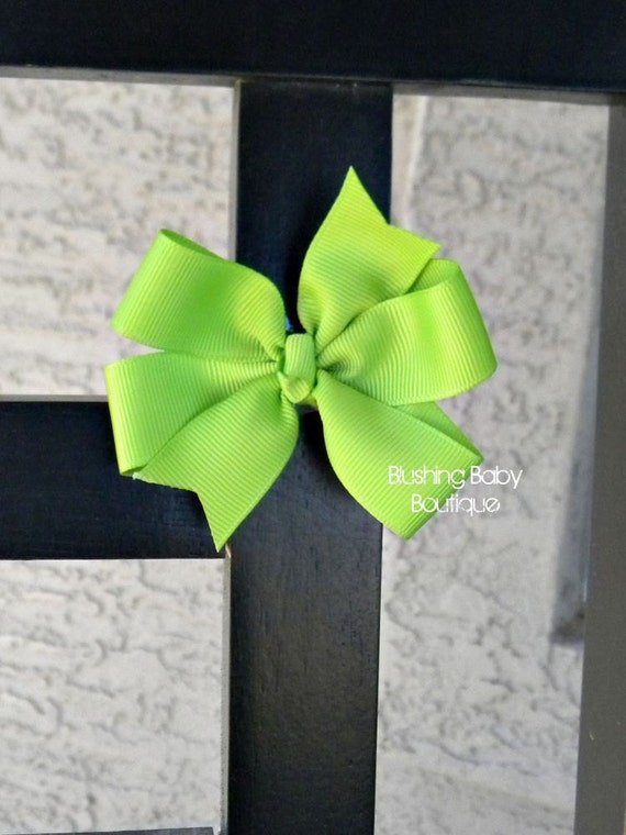3 inch Apple Green Pinwheel Style Bow on Partially Lined Alligator Clip - toddlers- infants- piggy tails-
