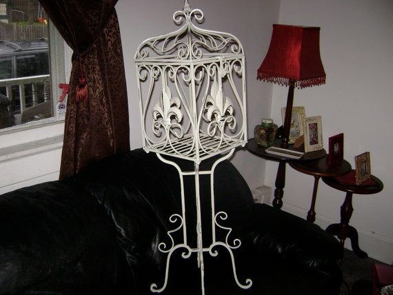 BirdCage on stand