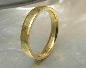 21k yellow gold hammered wedding ring / band for men or women