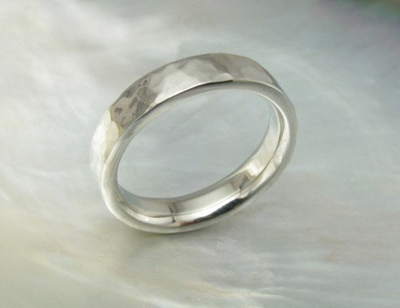 4mm 14k white gold wedding ring / hammered band, comfort fit