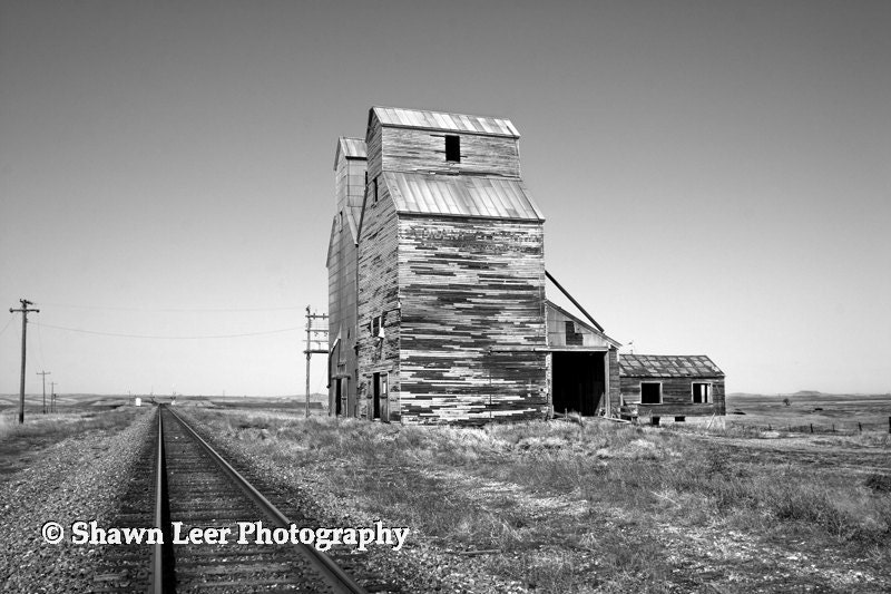 Almont North Dakota Grain Elevator