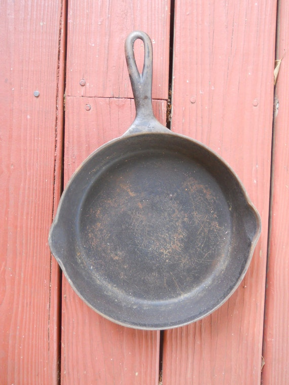 Wagner no 7 Cast Iron Skillet