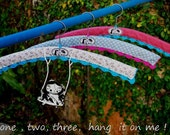 Set of three Nitinha's hangers
