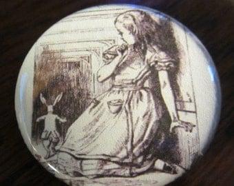Alice big Alice in Wonderland 1.25 inch BUTTON/PIN/BADGE Vintage Tenniel Image