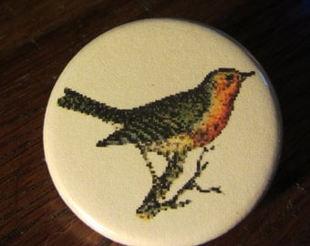 Red Red Robin1.25 inch BUTTON/PIN/BADGE Vintage Image