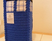 Crochet TARDIS (Time and Relative Dimension in Space) - Doctor Who