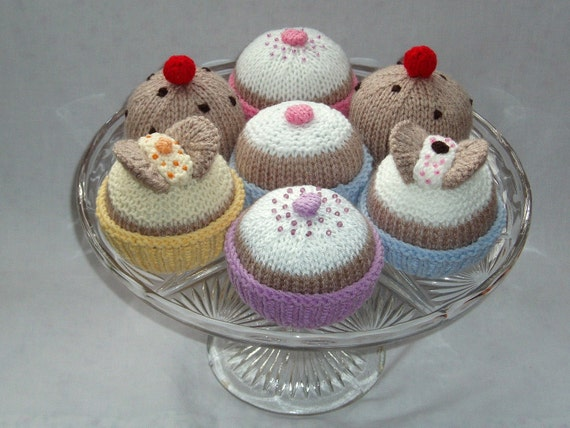Knitted cakes - PDF knitting pattern by email - butterfly cakes, fairy cakes and currant buns