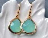 Bridesmaid Earrings Aqua, Sea ocean blue in gold, dangle, perfect bridesmaid gift, brithday, mom, bridal