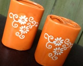 vintage tangerine vanity set - 1960s-70s orange ceramic toothbrush holder/vase