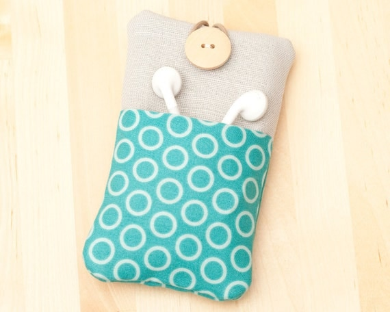 Iphone case ipod cover  / iphone 4s case - light blue circles with linen and  pockets-