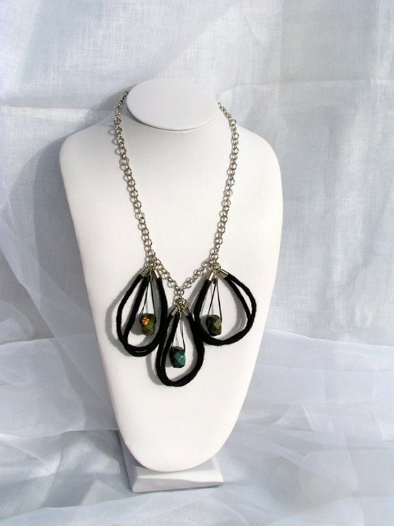 "Labradorite Black Wool Hand Corded Necklace ""Mod"""