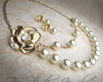 EMILY - Romantic Gold Flower and Ivory Pearl Necklace