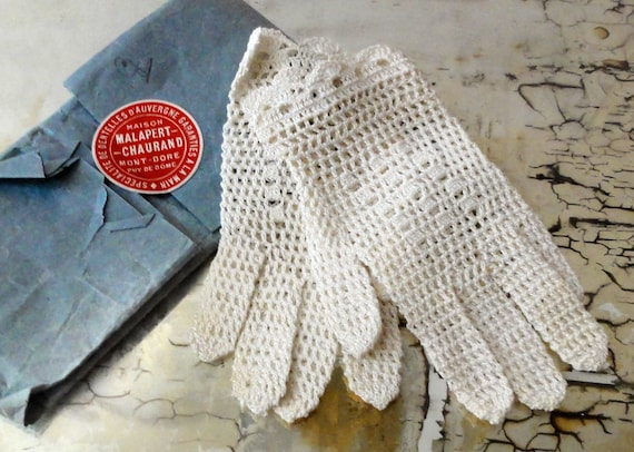 Petite Vintage Gloves French Lace Little Girls Size