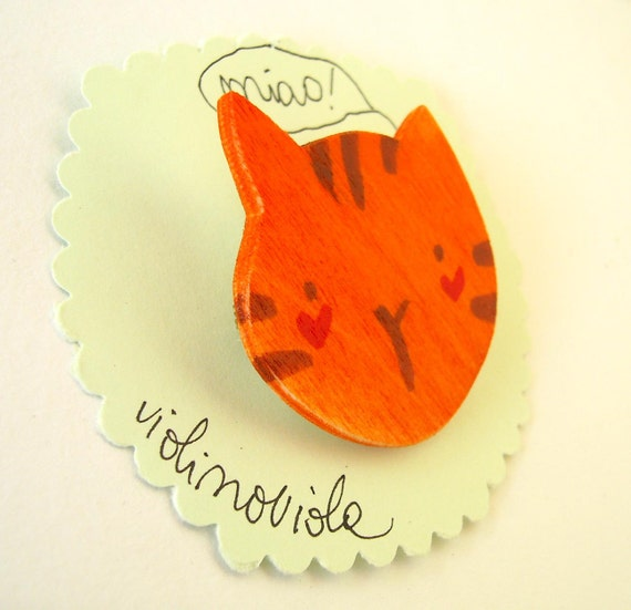 funny cat head, wooden brooch hand made in Italy