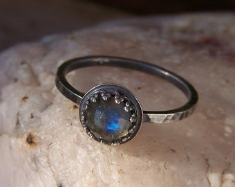 Labradorite 6mm Rose Cut Sterling Silver Ring - Midnight - Crown Bezel Stacking Ring