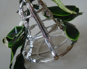 Vintage Filigree Holly and Bell Silver Sweet
