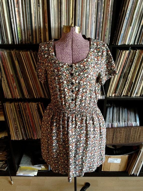 SALE Adorable Ditzy Floral Dress SALE