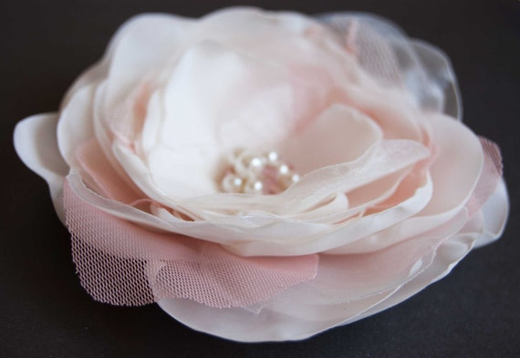 Ivory hair clip with dusty pink lace , bridal hair flower, vintage pink, dusty mauve