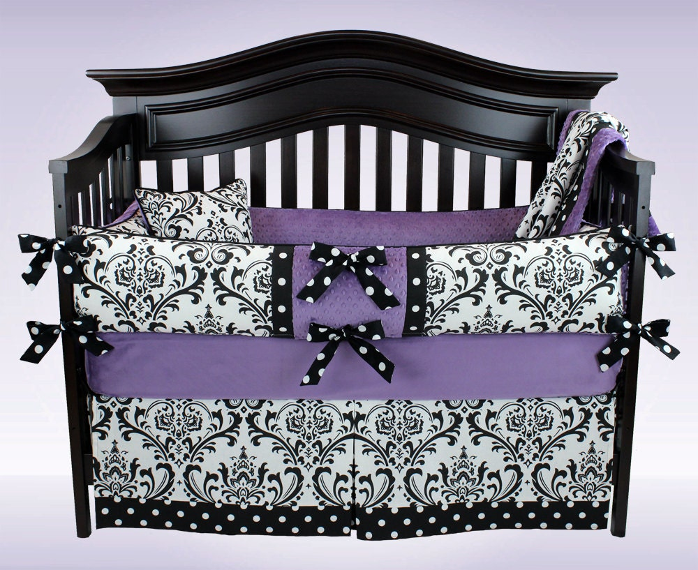 Clearance Ava 5 Piece Black And White Damask With Violet Crib