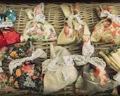 Provincial Favor Bags Set of 10 Vintage pouches - Vintage prints - Wedding