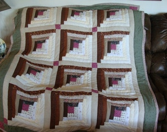 Log cabin quilted throw